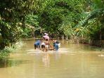 banjir-di-merangin_20161202_212413.jpg