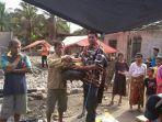 bantuan-korban-kebakaran-ke-warga-batang-asai-kabupaten-sarolangun-beberapa-waktu-lalu_20180706_161557.jpg