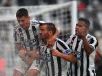bek-juventus-leonardo-bonucci-merayakan-gol-yang-dicetaknya.jpg