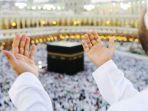 berdoa-di-kabah_20180528_124346.jpg