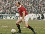bobby-charlton-kapten-manchester-united-19681973.jpg