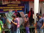 bupati-tanjabtim-romi-haryanto-sambangi-posko-pencegahan-covid-19.jpg