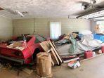 dua-mobil-mewah-yang-ditemukan-seorang-remaja-di-garasi-neneknya_20180824_231809.jpg