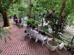 duniawi-coffe-salah-satu-coffe-shop-di-jambi-yang-menawarkan-ngopi-dengan-sensasi-di-alam-terbuka.jpg
