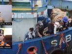 evakuasi-penumpang-kapal-tenggelam-jambi.jpg