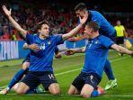 gelandang-juventus-dan-italia-federico-chiesa-merayakan-gol-bagi-timnya.jpg