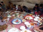 gempa-aceh-warga-gampong-masjid-kenduri-maulid-di-dalam-tenda_20161212_232734.jpg