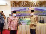gubernur-jambi-al-haris-salurkan-bantuan-pemprov-saat-melaksanakan-kunjungan-kerja.jpg