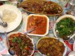 hidangan-halal-di-taiwan-makanan-berminyak-lemak_20150920_140420.jpg
