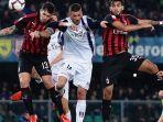 highlight-cuplikan-gol-chievo-vs-ac-milan-hasil-pertandingan-liga-italia-piatek-selamatkan-milan.jpg