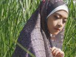 hijab-motif-batik-dari-azmiah-x-midaa-scraf.jpg