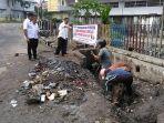 hujan-deras-dan-tumpukan-sampah-sebabkan-banjir-di-lingkungan-rt-4-rajawali-jambi-timur.jpg