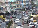 jalan-depan-wtc-alami-kemacetan.jpg
