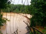 jembatan-mengkadai-sarolangun-putus_20160328_121443.jpg