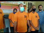 joni-iskandar-dan-muhammad-syarifuddin-no-tahanan-2830-berada-di-mapolresta-jambi.jpg