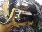 kecelakaan-di-mendalo-selasa-2912019-pagi-truk-batu-bara-menghantam-pagar-sekolah-paud.jpg