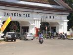 kendaraann-keluar-masuk-kampus-unja-mendal_20180508_112217.jpg