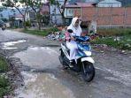 kondisi-jalan-desa-tanjung-pauh-hilir-kecamatan-keliling-danau_20180523_142317.jpg