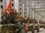konvoi-kendaraan-lapis-baja-pasukan-uni-soviet.jpg