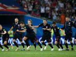 kroasia-merayakan-kemenangan-lewat-drama-adu-penalti_20180715_222731.jpg