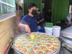 kue-apang-kue-tradisional-khas-suku-bugis-makassar-kini-hadir-di-jambi.jpg