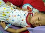 m-arsyad-alfarrizqi-bocah-usia-tiga-tahun-di-muarojambi-menderita-leukemia-akut.jpg