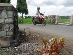 makam-baru-yang-muncul-di-tepi-jalan-desa-ngranti-kecamatan-boyolangu-kabupaten-tulungagung.jpg