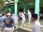 mantan-gubernur-jambi-dan-mantan-bupati-batanghari-hasip-kalimudin-syam-dikebumikan-di-masjid.jpg