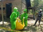 mayat-pria-di-kebun-karet-warga-di-bungo-tengah-dievakuasi-oleh-tim-medis.jpg