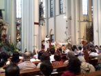 misa-natal-di-gereja-katedral-jakarta-pusat.jpg
