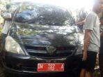 mobil-dinas-milik-anggota-dprd_20170424_210457.jpg