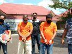 novi-wijaya-mengenakan-baju-tahanan-nomor-3-saat-digiring-petugas.jpg