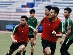 para-pemain-timnas-u-22-indonesia-melakukan-latihan-sebelum-tampil-di-sea-games-2019.jpg