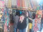 pedagang-pakaian-di-simpang-anaka-kuala-tungkal_20180608_201740.jpg