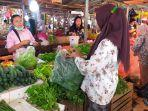 pedagang-sayur-mayur-di-pasar-angso-duo-kota-jambi.jpg
