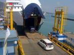 pelabuhan-merak-kapal-penyeberangan_20150420_094917.jpg