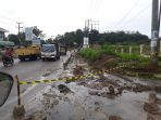 pelebaran-jalan-jalan-jalan-lintas-mendalo-darat-kabupaten-muarojambi_20180528_194046.jpg