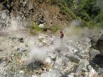 penampakan-sumber-air-panas-di-lembah-kaki-gunung-kunyit-ini-ditemukan-oleh-pegiat-pariwisata.jpg