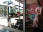 pengelola-warung-makan-di-sengeti-kabupaten-muarojambi_20180509_130633.jpg