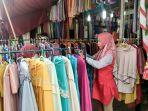 penjualan-baju-gamis-di-gang-siku-kota-jambi-mulai-meningkat-pada-ramadan-tahun-ini.jpg