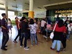 penumpang-bandara-jambi_20170630_144838.jpg