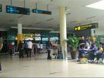 penumpang-di-bandara-sultan-thaha-jambi_20180221_162558.jpg
