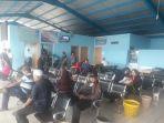 penumpang-sedang-menunggu-keberangkatan-di-pelabuhan-lasdp_20180605_093347.jpg