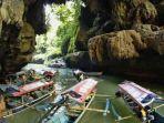 perahu-tambat-di-obyek-wisata-green-canyon-cijulang-pangandaran-jawa-barat-sabtu-452013.jpg