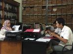 peserta-yang-lolos-cpns-melengkapi-berkas-di-bkd-muarojambi.jpg