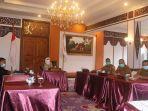 pj-gubernur-jambi-dr-hari-nur-cahya-murni-msi-menghadiri-rapat-koordinasi-pengendalian-dan.jpg