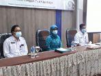 pj-ketua-tp-pkk-provinsi-jambi-ny-hj-iin-kurniasih-sudirman-membuka-acara-pertemuan.jpg
