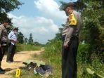 polisi-saat-melakukan-olah-tkp-penemuan-pria-diduga-dibunuh-di-kawasan-bagan-pete-kota-jambi.jpg