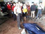 polisi-saat-mengevakuasi-potongan-tubuh-seorang-wanita-yang-jadi-korban-mutilasi.jpg