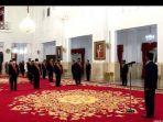 presiden-jokowi-menganugerahkan-tanda-kehormatan.jpg